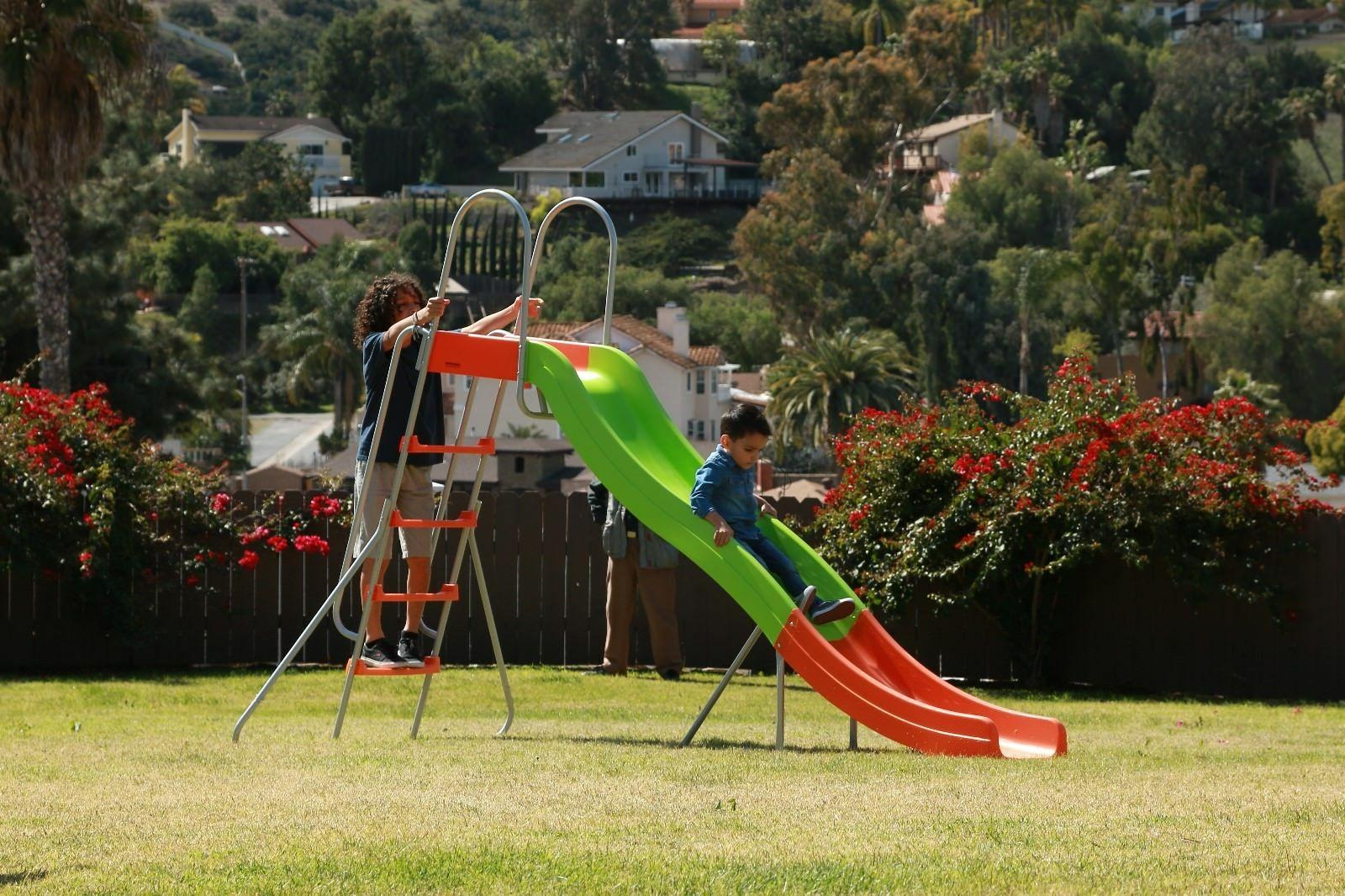 SLIDEWHIZZER 10ft water - Outdoor Playground